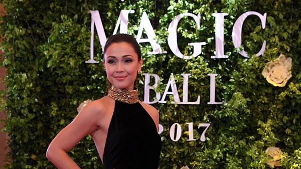 Jodi Sta. Maria, rumampa para sa Star Magic Ball 2017 kahit namumula ang kanyangmata