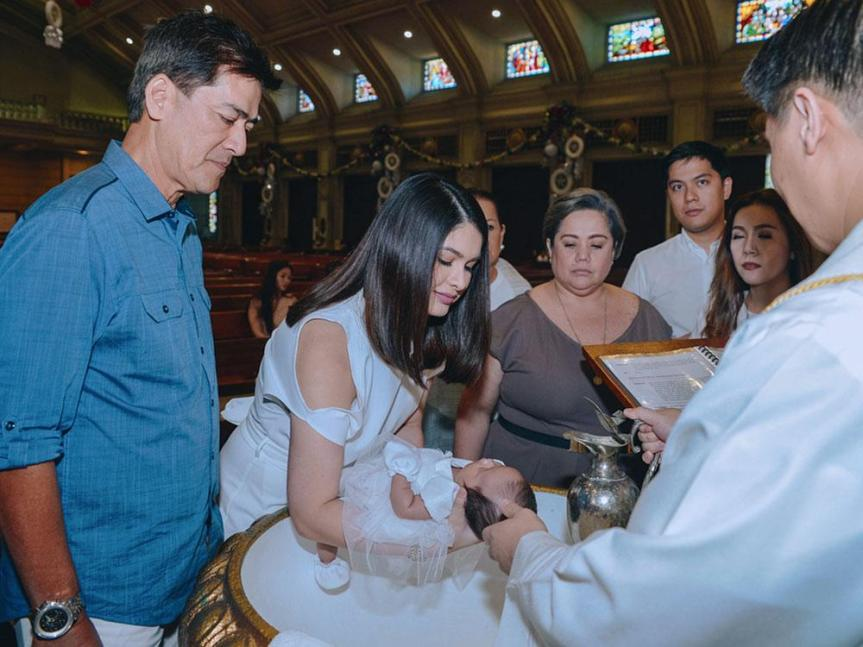 vic_sotto___pauleen_luna_s_baby_christening_for_st__james_the_great_parish__1512963810