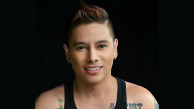 "Vince Tañada as Juan Luna's alter ego in his latest musical ""Obra niJuan"""