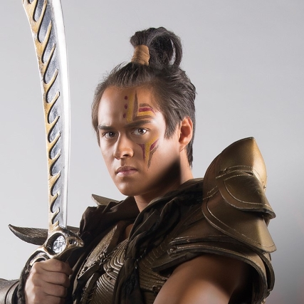 Enrique Gil as Lakas