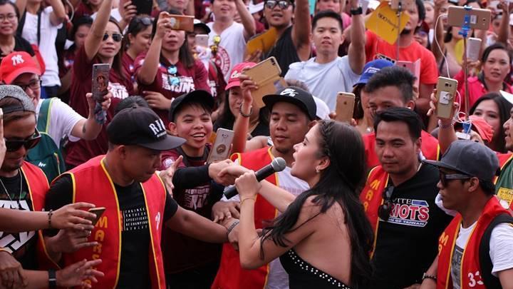"""ABS-CBN """"Just Love Araw-Araw"""" roadshow pinasaya ang mga overseas Filipinos sa Hong Kong atTaiwan"""