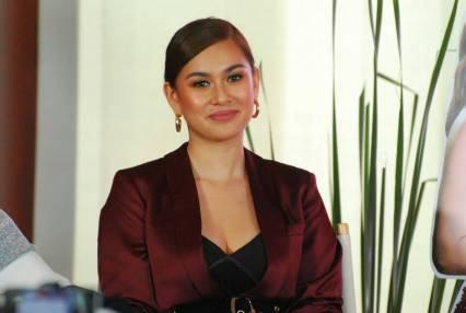 Yen Santos as Jacky on Halik