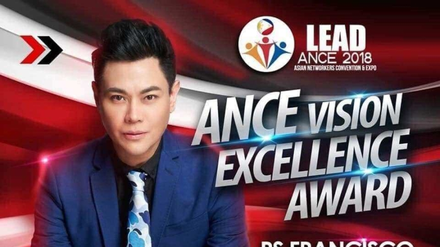 RS Francisco, receives ANCE's Vision Excellence Award for his company,Frontrow