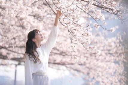 Ayami Nakajo as Miyuki in SNOW FLOWER