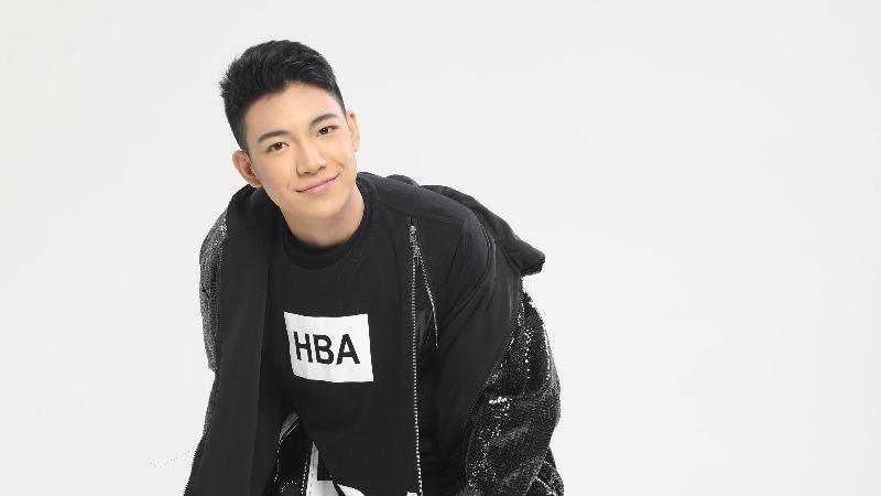 "Int'l Filipino music artist Darren Espanto is a guest performer at ""Singer 2019""finals"