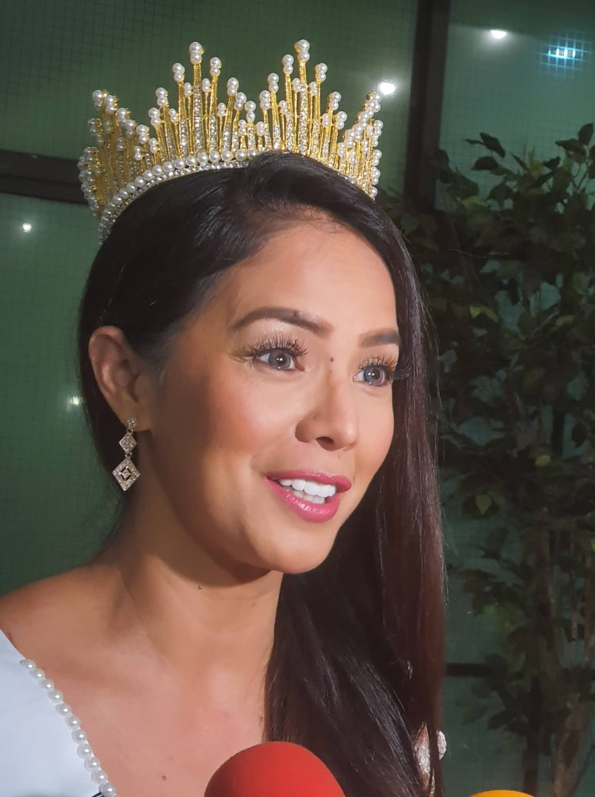 Mrs. Noble Queen of the Phillipines UNIVERSE (1)